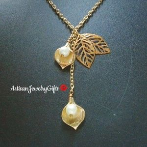 Gold Calla Lily Pearl Leaves Necklace